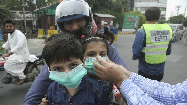 Mysterious Toxic gas Killed 11 People In Pakistans Karachi