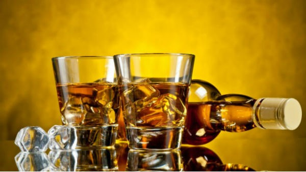 Man suicide In Hubballi Due To Lack Of Alcohol