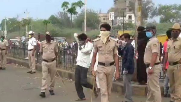 India Lockdown: People Arriving In Belagavi Market