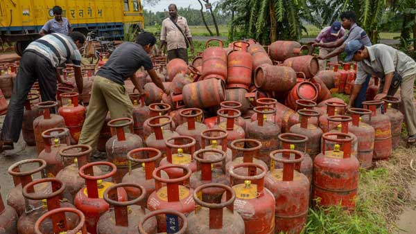 Fact Check: Indian Oil Stopping The Supply Of Cooking Gas