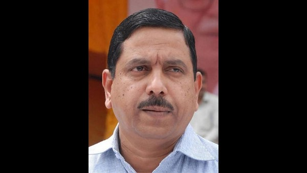 Law Minister Prahlad Joshi has said that the Lok Sabha is not adjurning