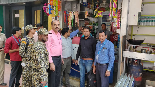 BBMP Inspection And Fined On Tobacco Selling Shops