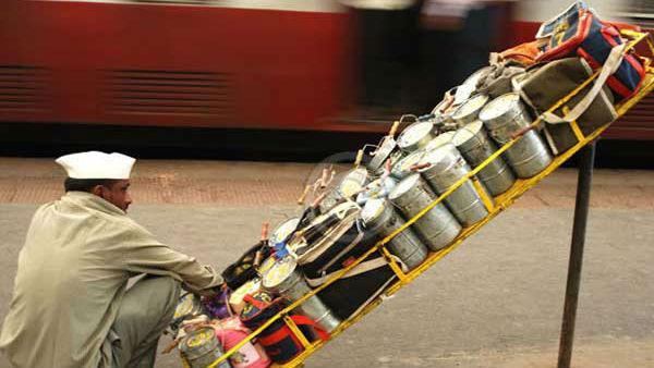 ಮುಂಬೈ: ಡಬ್ಬಾವಾಲಗಳಿಗೂ ತಟ್ಟಿದ ಕೊರೊನಾ ಭೀತಿ
