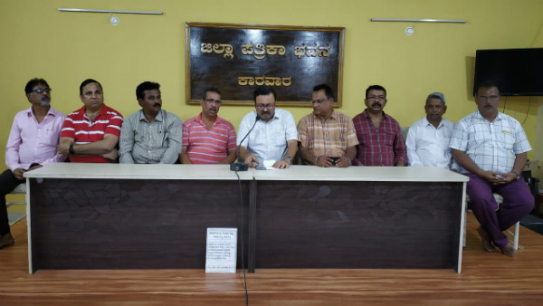Karwar Merchants Association Support To Janatha Curfew