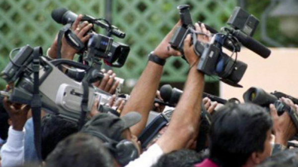 SC Asks for Centres Reply on PIL of Journalists Bodies on Media Firings, Pay Cuts