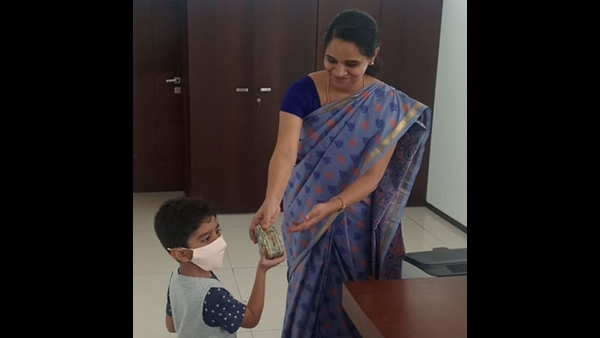 5 Year Old Boy Gave His Pocket Money To CM Corona Relief Fund