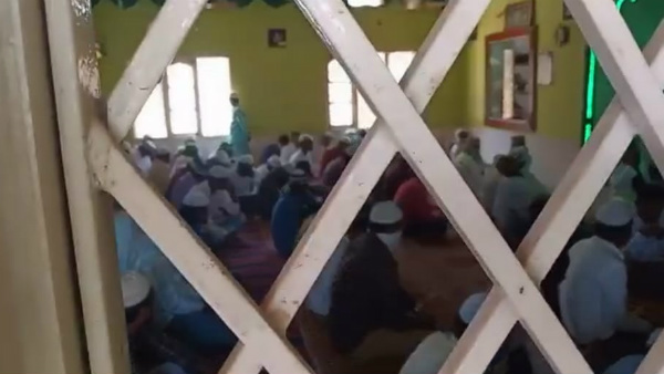 Police Took Custody Of 100 People In Shivamogga Ballary For Doing Mass Prayer