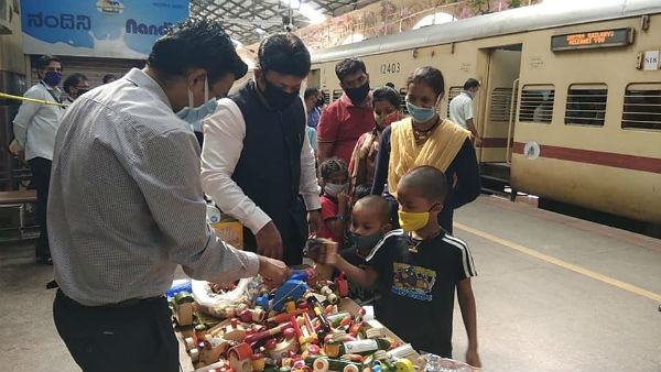 Railway Distributes Channapattana Toys To Children Of Migrant Workers