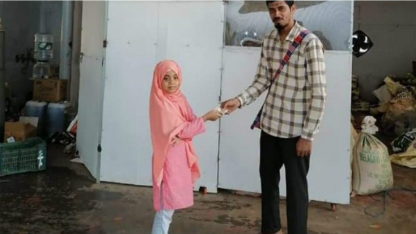 Udupi Girl Gave Money To Help Poor Which She Kept For Buying Tab