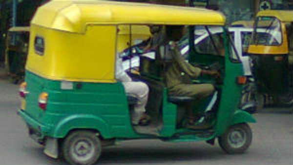 Auto drivers and Taxi drivers want to wait till next tuesday because software was not ready