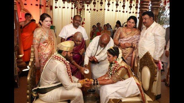 ನಿಖಿಲ್ ಕುಮಾರಸ್ವಾಮಿ ಮದುವೆಯಲ್ಲಿ ಲಾಕ್ಡೌನ್ ಉಲ್ಲಂಘನೆಯಾಗಿದೆ ಎಂದ ಹೈಕೋರ್ಟ್
