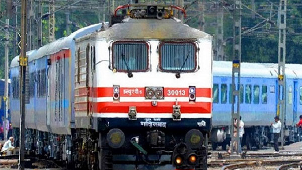 14.30 Lakh Passengers Booked For Train Tickets