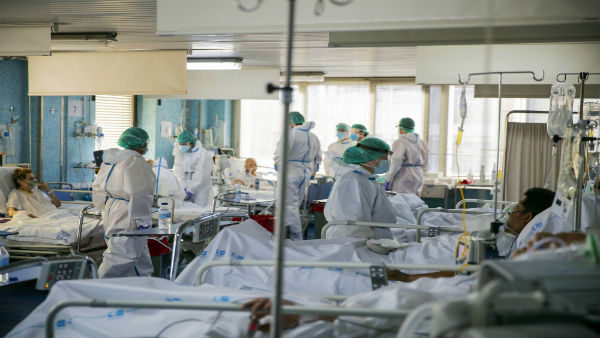 Quarantine For Vims Hospital Doctors And Nurse Who Contact With Coronavirus Patient