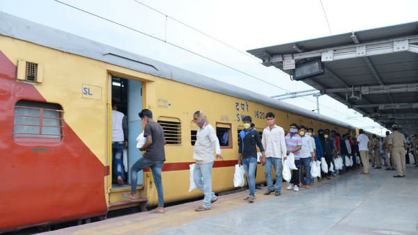Special Shramik Train Migrant Labours Loot Food Van In Madhya Pradesh