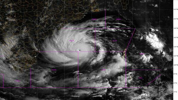 IMD Cyclonic Storm Warn tO Gujarat And North Maharashtra Coast