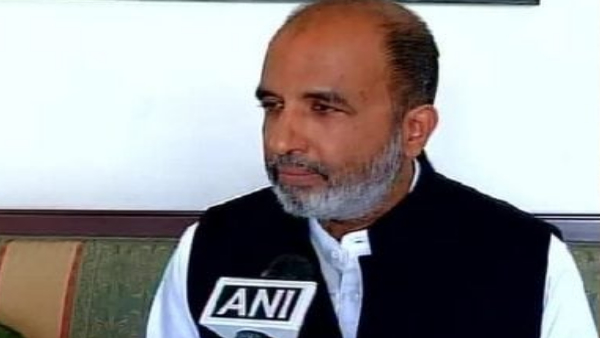 Senior Congress leader Sanjay Jha tests positive for COVID-19