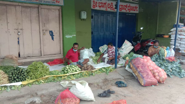 Belur Taxi Driver Started Selling Vegetables Because Of Lockdown