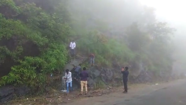 Chikkamagaluru: Tourists Take Selfie In Charmedi Ghat
