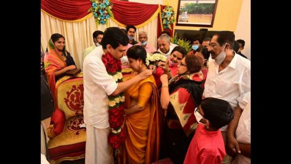 ಚಿತ್ರಸುದ್ದಿ: ಬೆಂಗಳೂರು ನಿವಾಸಿ, ಕೇರಳ ಸಿಎಂ ಪುತ್ರಿ ವೀಣಾಗೆ ಮದ್ವೆ