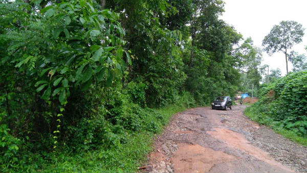 Guttigar Balapa Road In Sullia Taluk In Very Bad Condition Since Last 20 Years