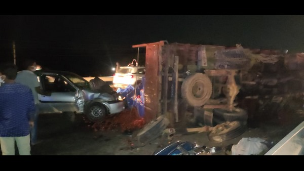 One Killed And 8 vehicles Damaged In Serial Accident At Kolar