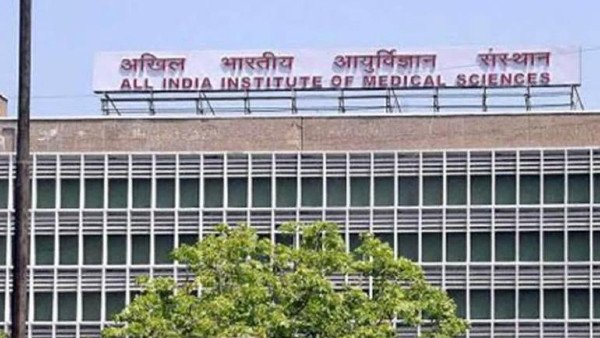 Delhi: Covid-19 positive journalist kills self by jumping off AIIMS building