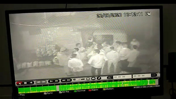 Assault On Davanagere Corporator Sogi Shanthakumar Recorded In CCTV