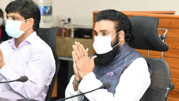 Health Minister Sriramulu Wishes For Doctors Day