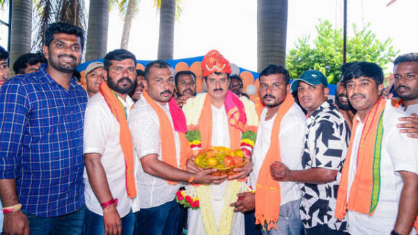 MLC CP Yogeshwar Celebrated His Birthday Without Social Gap In Channapattana