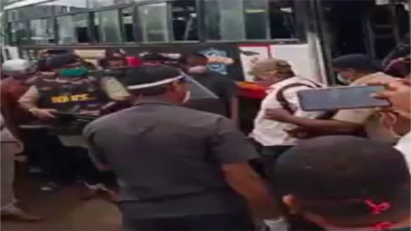 Fake: A Terrorist Was Caught At Hubballi Bus Stant: The Truth Is Here