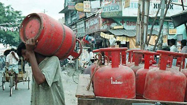 LPG Cylinder Price Nearly Unchanged In Most Metros On Aug 1