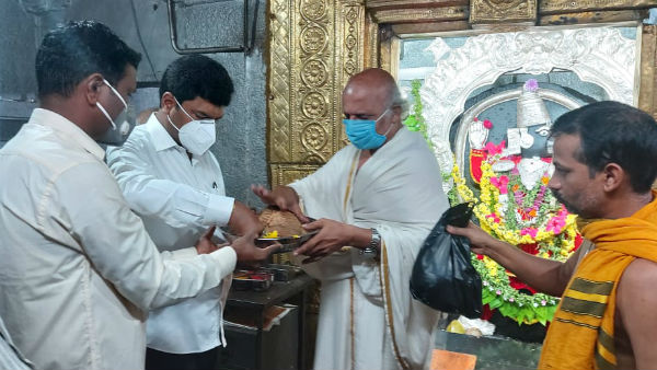 BY Raghavendra Perform Special Puja For Recovery Of Yediyurappa