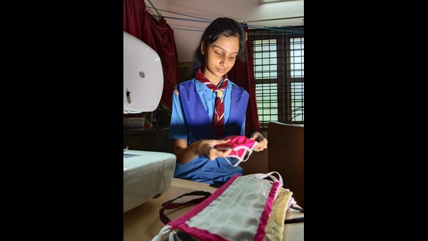 Udupi: 8th Std Student Ishita Sends 300 Face Masks To Soldiers; Receives Praises From Defence Minister