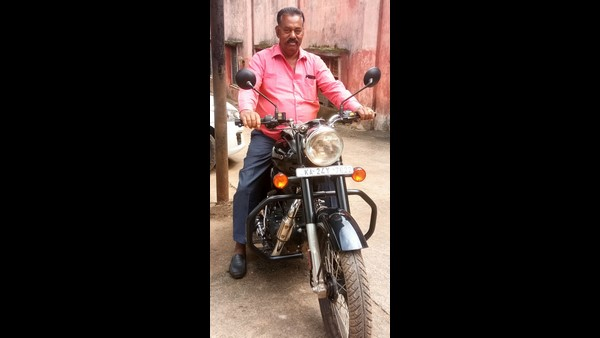 Belagavi: Bike Gifted To The Retired Teacher From Old Students In Kitturu