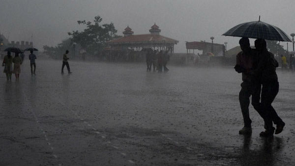 Meteorological Department Issued Yellow Alert For 10 Districts Of Karnataka
