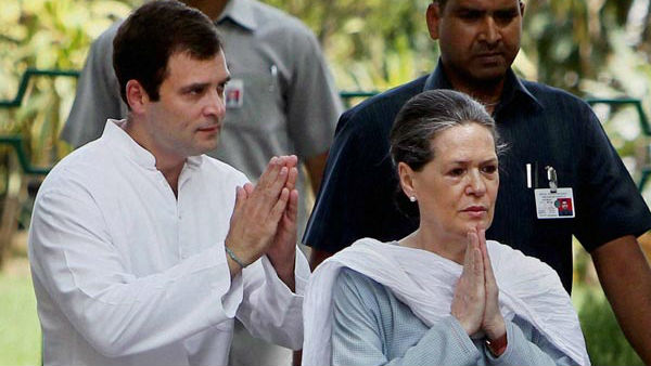 Amid Opposition Party Conflict With Government Over Farm Bills: Sonia, Rahul Returned To India
