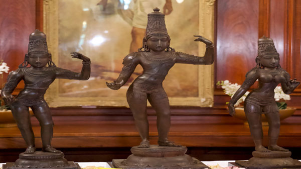 British Police Returns To India 15th Century Idols Stolen 40 Years Ago