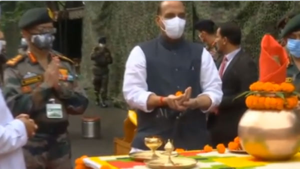 ಚೀನಾ ಗಡಿಯಲ್ಲಿ ಶಸ್ತ್ರಪೂಜೆ ನೆರವೇರಿಸಿದ ಸಚಿವ ರಾಜನಾಥ್ ಸಿಂಗ್