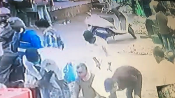 Ramanagar: Video Of Stealing Mobile At Vegetable Market Captured In CC Tv