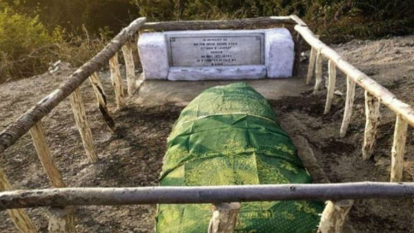 In Jammu And Kashmir Indian Army Restores Damaged Grave Of Decorated Pak Officer