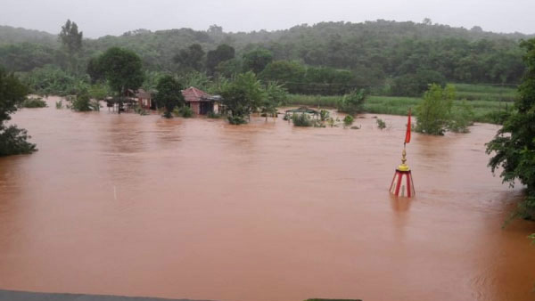 Heavy Rain In Mandya: Poor Family In Distress