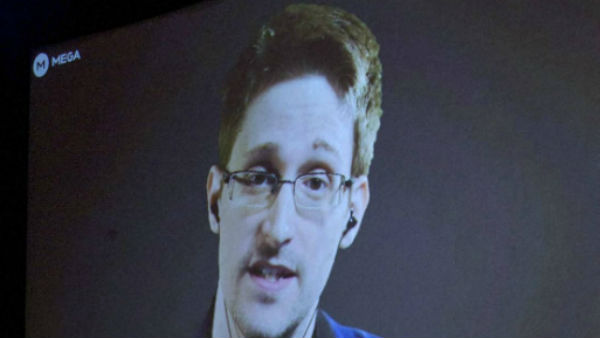 Good News For Edward Snowden, Gets Russian Permanent Citizenship