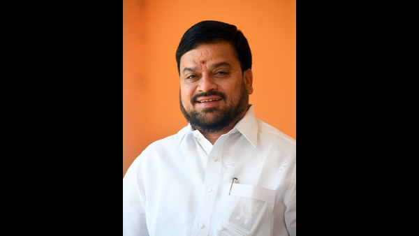 ಶ್ರೀನಿವಾಸ್ ಪ್ರಸಾದ್ ಒತ್ತಡಕ್ಕೆ ಮಣಿದ ಸಿಎಂ: ವಿಜಯೇಂದ್ರ ಆಪ್ತಗೆ ಹಿನ್ನಡೆ