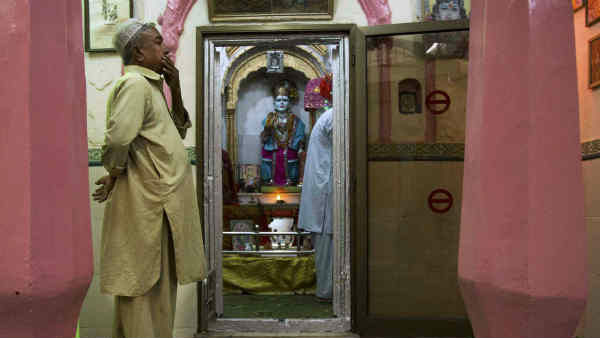 ಪಾಕಿಸ್ತಾನದಲ್ಲಿ ಹಿಂದೂ ದೇವಾಲಯ, ತೆಪ್ಪಗಾದ ಧರ್ಮಾಂಧರು