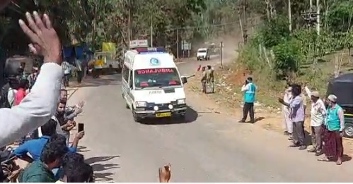 Chikkamagaluru: Kottige Hara Locals Make Way For Zero Traffic And Wished Girl Recovery