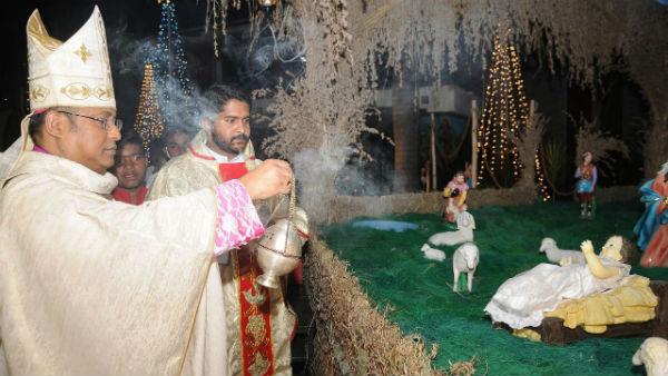 ಕ್ರಿಸ್ಮಸ್ ಸಂಭ್ರಮ; ಮೈಸೂರು ಚರ್ಚ್ನಲ್ಲಿ ಸಾಮೂಹಿಕ ಪ್ರಾರ್ಥನೆ