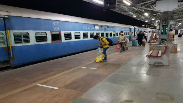 Andhra Woman Who Arrived From UK Deboarded From Delhi-Vizag Train After Testing Covid Positive