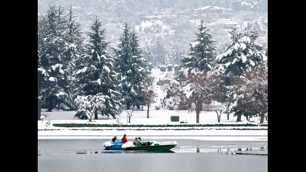 Cold Wave Persists In Kashmir; Srinagar Records Minus 7.6