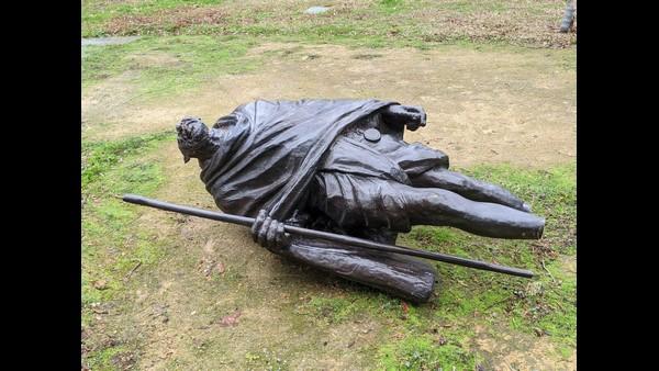 ಅಮೆರಿಕದಲ್ಲಿ ದುಷ್ಕರ್ಮಿಗಳ ಕೃತ್ಯ: ಮಹಾತ್ಮ ಗಾಂಧಿ ಪ್ರತಿಮೆ ಧ್ವಂಸ