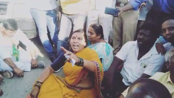 ಕೆಜಿಎಫ್ ಶಾಸಕಿ ರೂಪಾ ಮತ್ತು ಬೆಂಬಲಿಗರ ಪ್ರತಿಭಟನೆಗೆ ಮಣಿದ ಚುನಾವಣಾಧಿಕಾರಿ